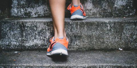 hälsporre bild löpning plantar fasciit